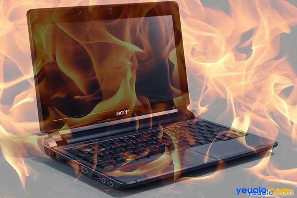 Laptop bị nóng khi chơi game.